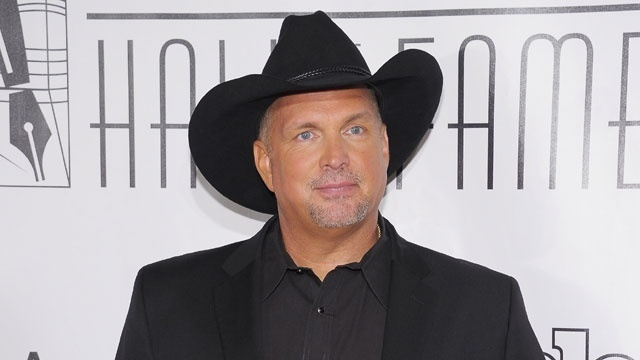 Lubbock Woman in Legal Trouble for Garth Brooks Ticket Giveaway