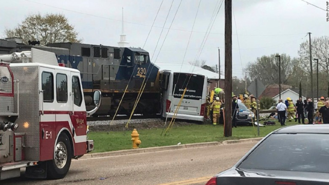 Three Killed in Mississippi Bus and Train Collision