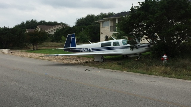 No One Hurt After Small Plane Crash in Lakeway, Texas