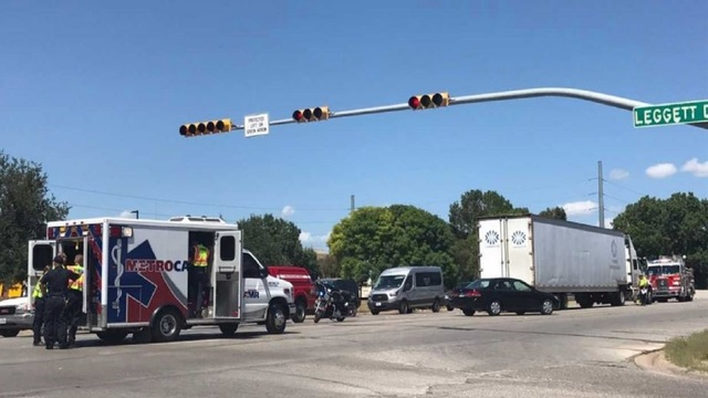 Bicyclist struck by 18-wheeler in central Abilene