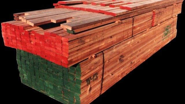 Builder sentiment stumbles to 8-month low on higher lumber costs