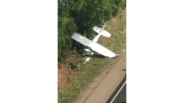 Student pilot crashes light plane on United States highway