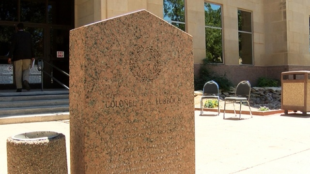 Petition calls for removing monument at Lubbock County courthouse