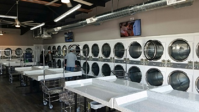 Hurricane Harvey evacuees can wash clothes for free at Abilene laundromat