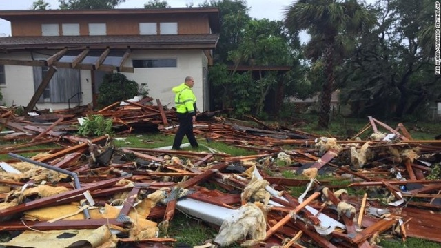 Irma weakens to Category 1 storm as it pushes north of Tampa