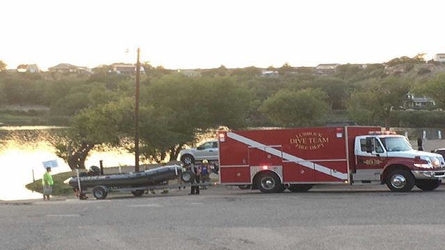 Child missing after Lubbock Co. boating accident, 9 others injured