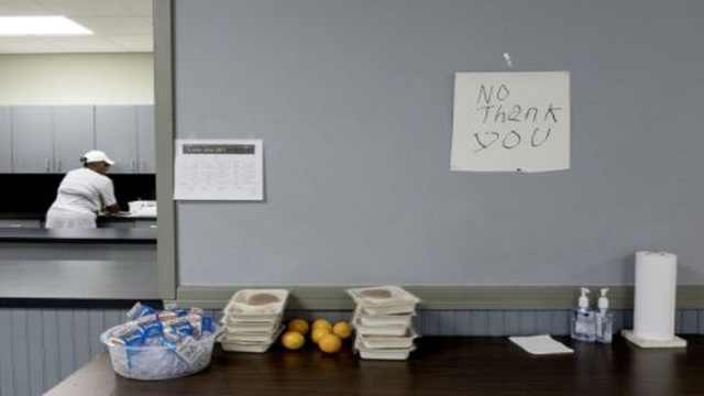 Texas public school districts may now store, not trash, leftover food