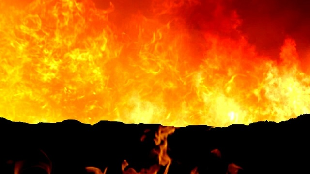 Sweetwater fire crews work to contain fire in Maryneal, Texas