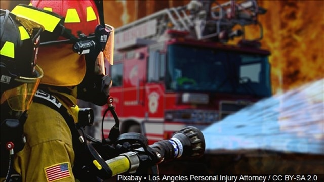Fire breaks out at north side apartment complex
