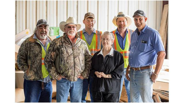 Woman who lost wedding ring in Brownwood recycling center meets team who rescued it