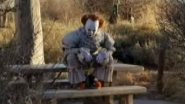 Clown cosplayer unintentionally scares some on Albuquerque trail