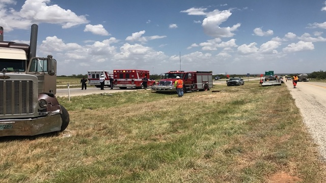 At least 6 injured in I-20 wreck involving 2 18-wheelers, 5 other vehicles
