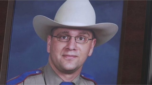 Widow of trooper killed by East Texas man pushing for tougher