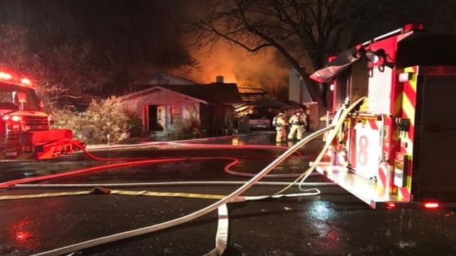 1 dead, several hurt in Lubbock house explosion